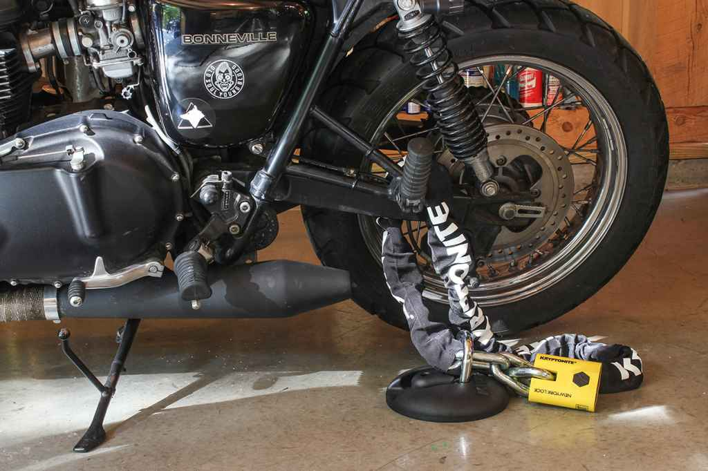 Motorcycle Lock Up